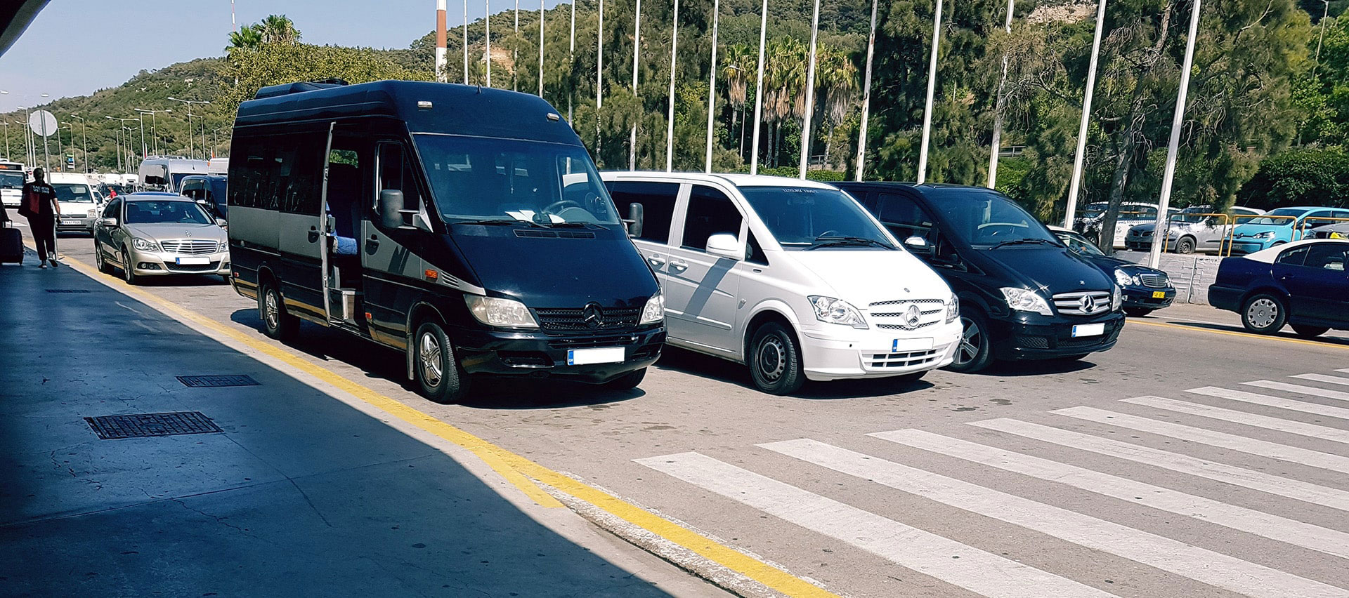 bus_fleet_airport